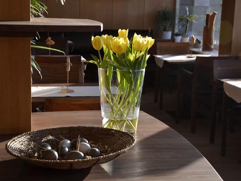 Frühstücksraum Vase und Schale